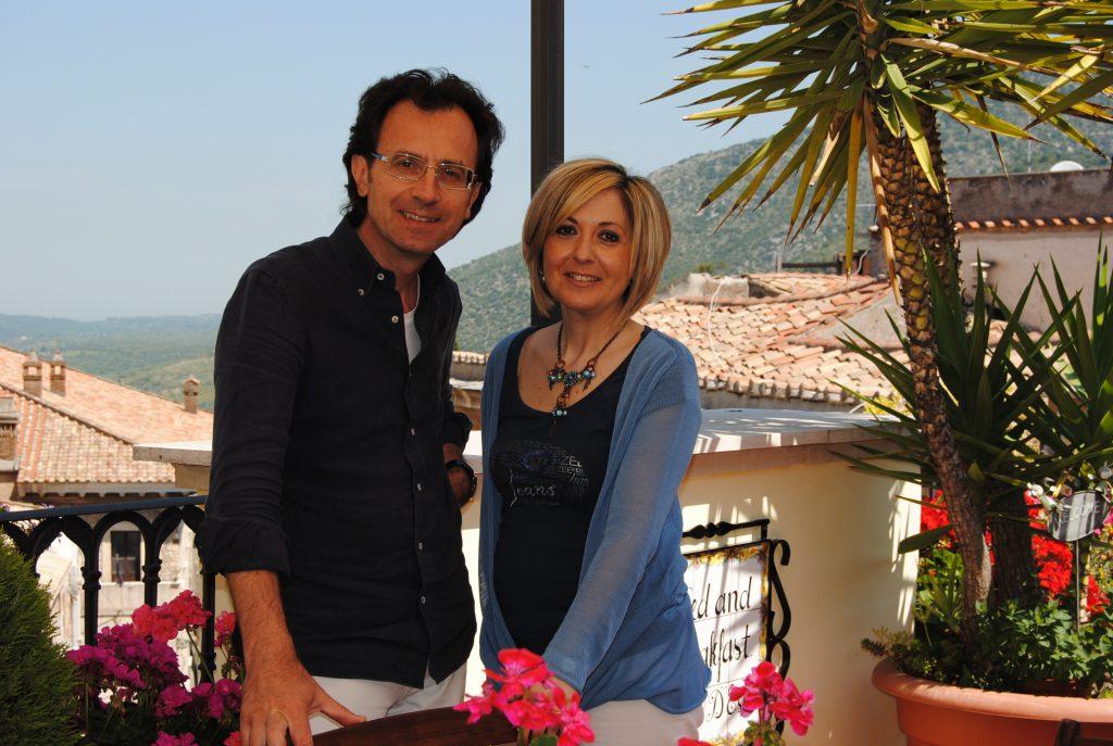 Bed and Breakfast Villa d'Este - Fabio e Rosella vi danno il benvenuto a Tivoli